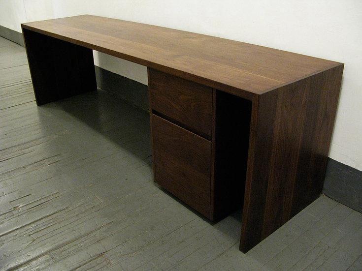 Zoe Desk