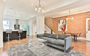 Lofty 2 Storey Apartment