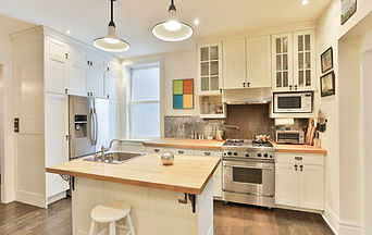 Eclectic and Spacious Ossington Main