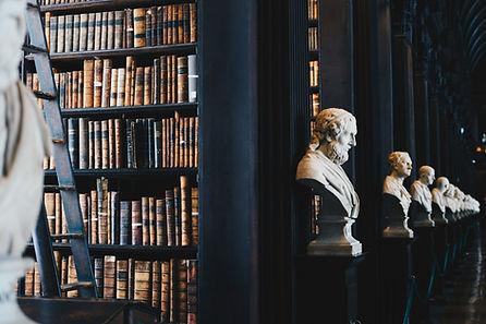 Bibliothèque traditionnelle - Notaire