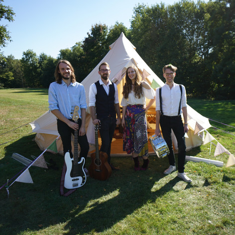 The Miacats Hampshire Wedding Band