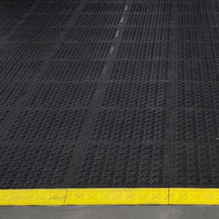 How We Changed a Customer's Mind About Modular Matting