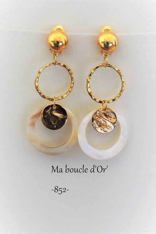 Boucles n°852