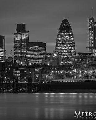 black_and_white_london_metroscenes.com_0