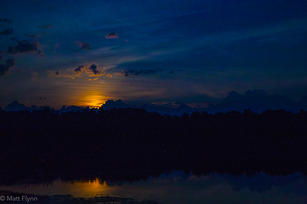 moon rise-2.jpg
