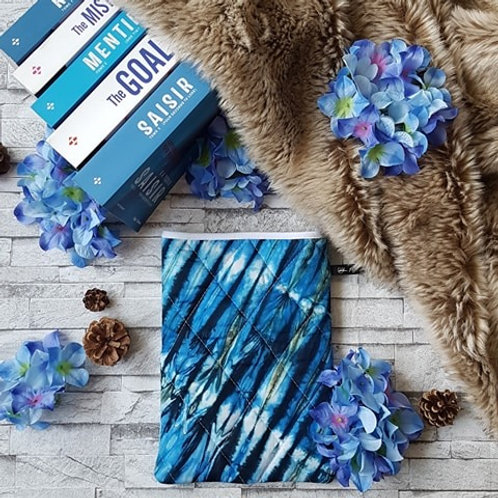 """Pochette pour livre """"Tie and Dye"""""""