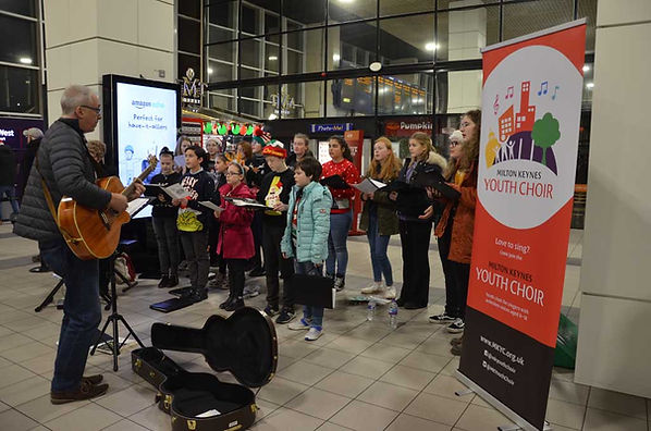 Singing for commuters
