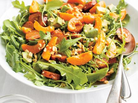 Salade de roquette à la saucisse