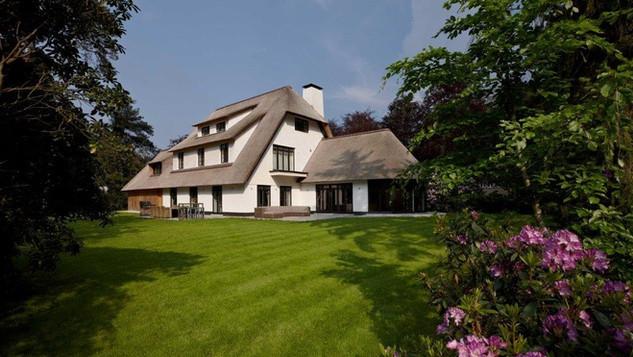Rasenberg Rieten Dak Villa
