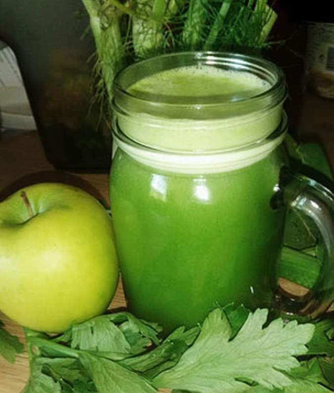 jus vert pomme cèleri épinard fenouil alimentation vivante crue rawfood extracteur