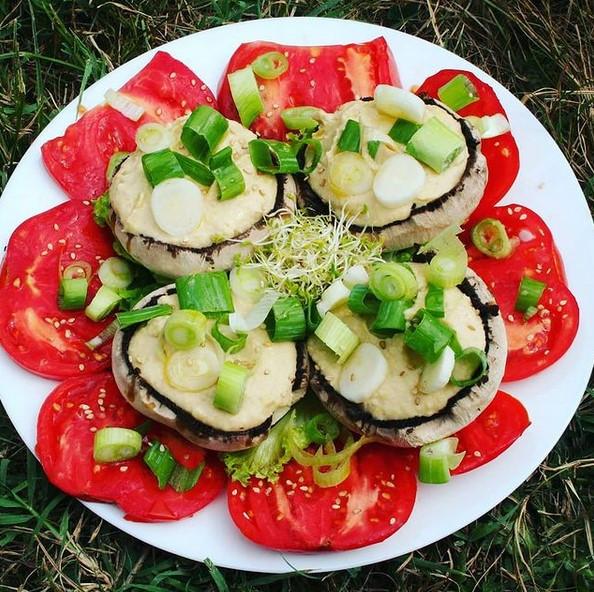 salade de tomate champignon houmous vegan sans gluten