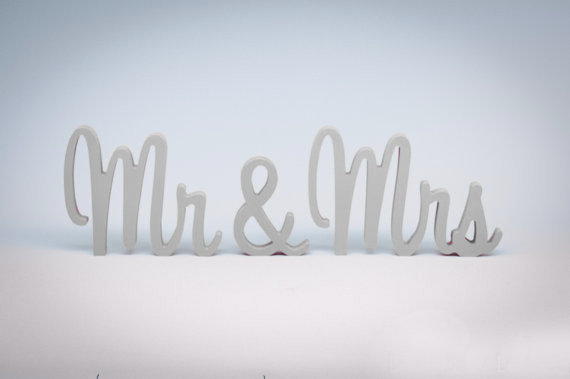 White Mr and Mrs Sign