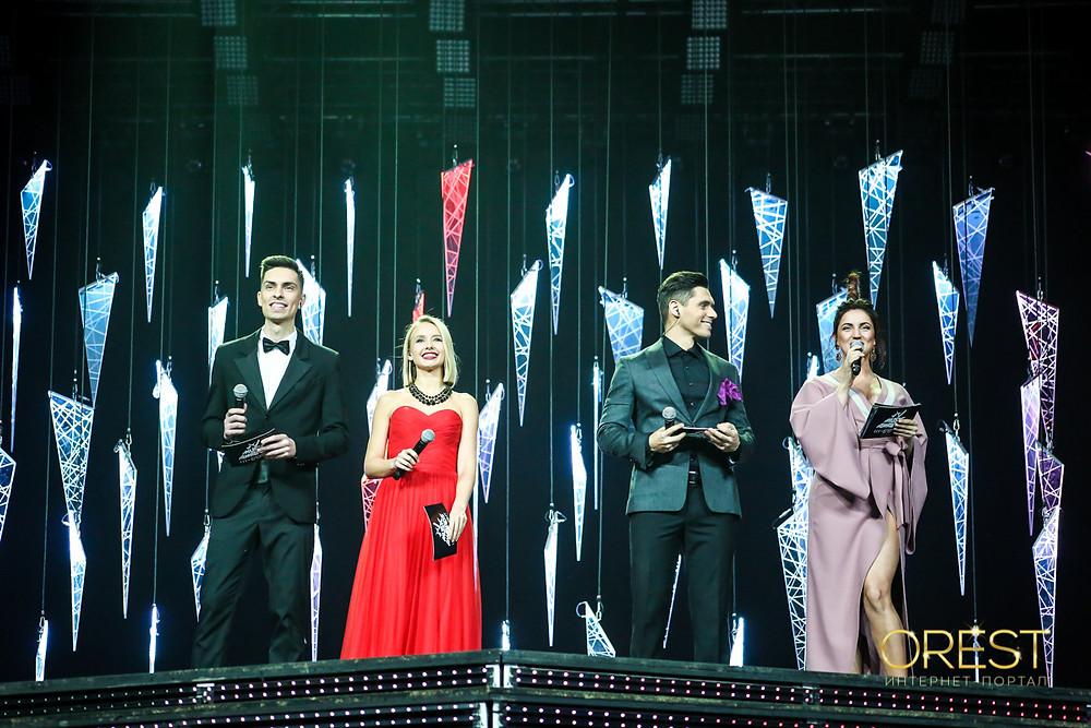 Ведущие M1 Music Awards Андрей Черновол, Маша Виноградова, Никита Добрынин, Оля Цибульськая