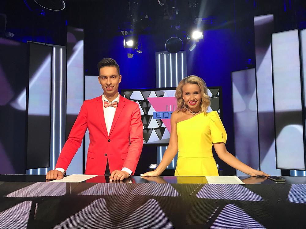 Андрій Чорновол і Маша Виноградова - ведучі M1 Music Awards News