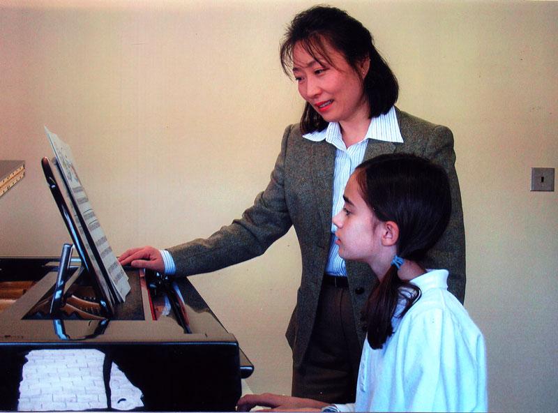 Dr Lee teaching