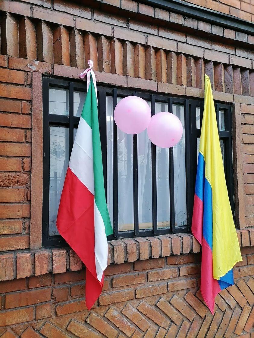 Fachada de una casa de zipaquirá egan bernal giro d'Italia