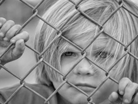 Niños enjaulados en U.S.A. Lágrimas de padres en América