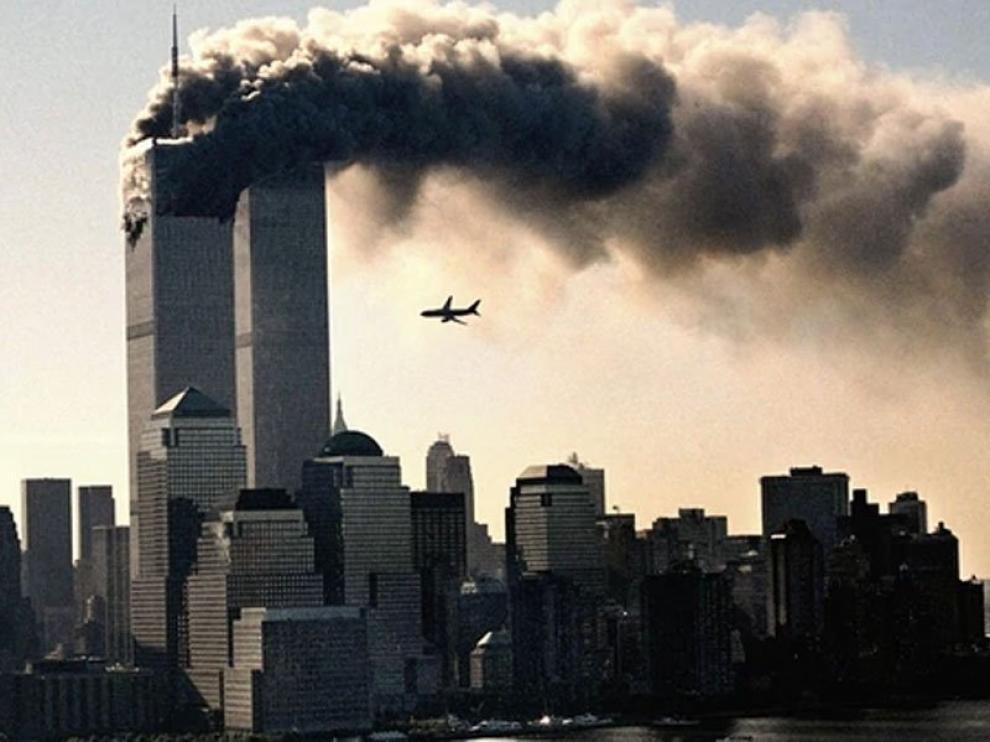 Una imagen que conmovió al mundo: El 11 de septiembre de 2001 dos aviones se estrellaron contra las Torres Gemelas en Nueva York