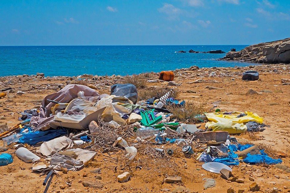 Basura, Los Residuos De Plástico, Playa