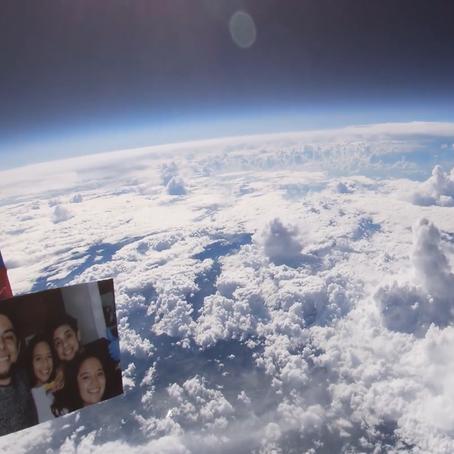 Influencer lanza una cámara al espacio. ¡No creerás lo que grabó!