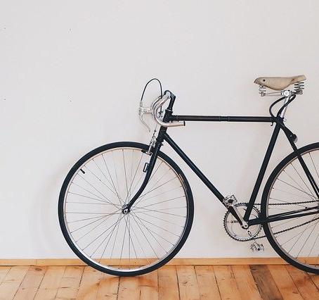 Mesa de Centro con Rin de Bicicleta