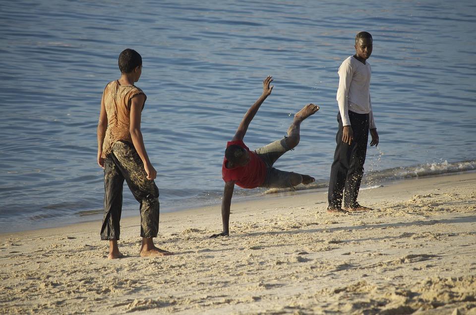 Capoeira, Tanzania, Gente Joven, Bailes Brasileños