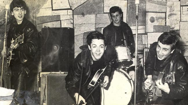 Los Beatles en el último concierto que interpretaron en The Cavern Club