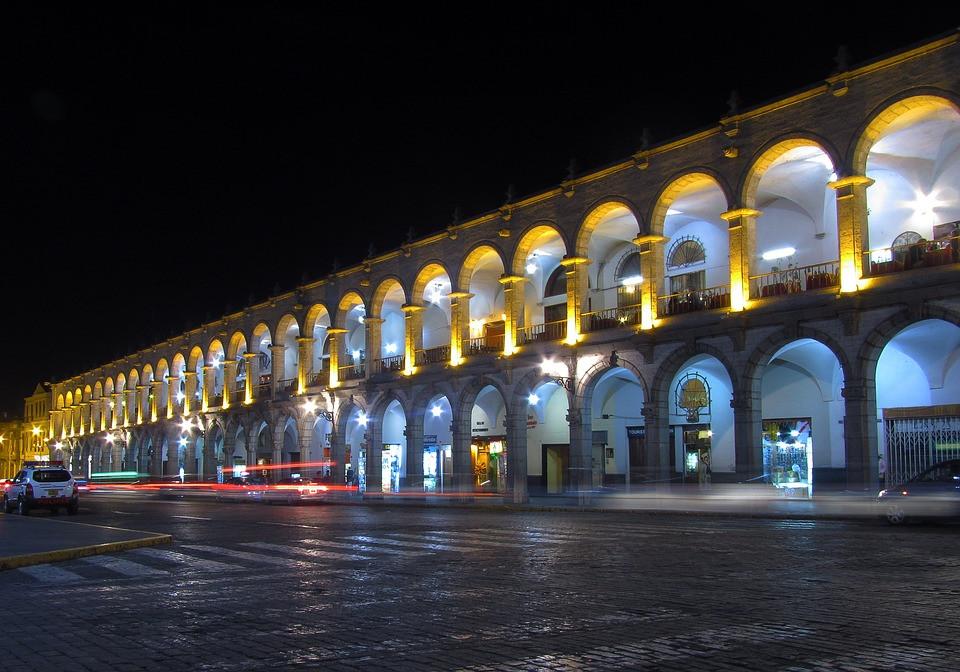 Plaza Mayor, Arcada, Arequipa, Perú, Noche