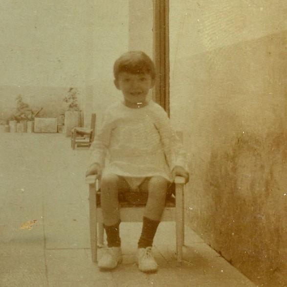 Imagen de la niñez del escritor Mario Benedetti