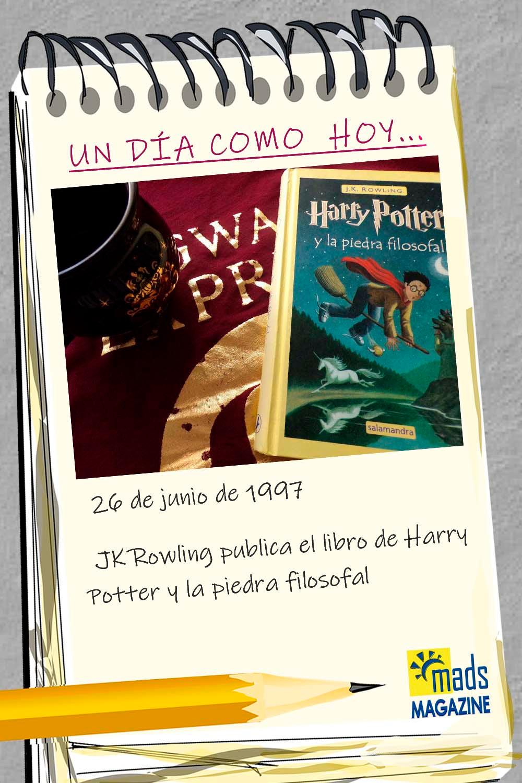 El 26 de junio de 1997 JK Rowling publicó el libro de Harry Potter y la piedra filosofal