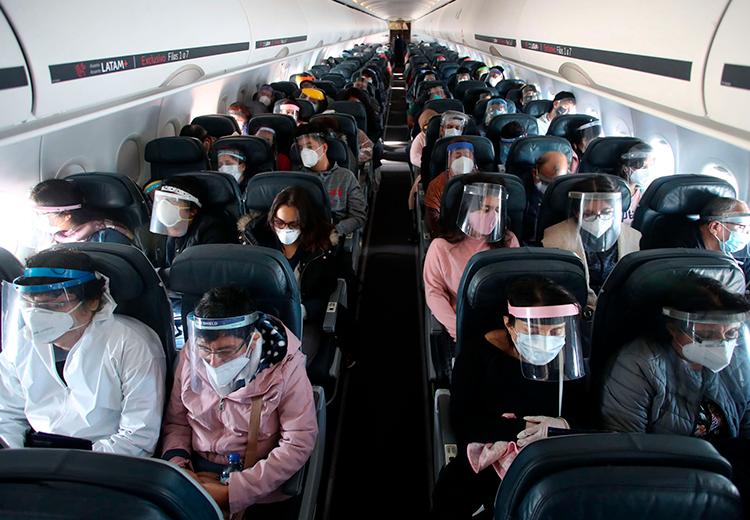 Con la situación que estamos viviendo muchos se preguntan si es posible viajar durante la pandemia... Poder, podemos hacerlo, pero es necesario conocer y cumplir todos los trámites necesarios