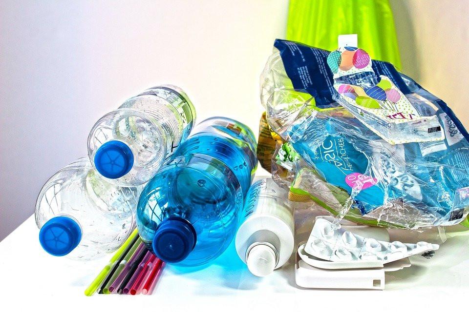 Los Residuos De Plástico, Medio Ambiente
