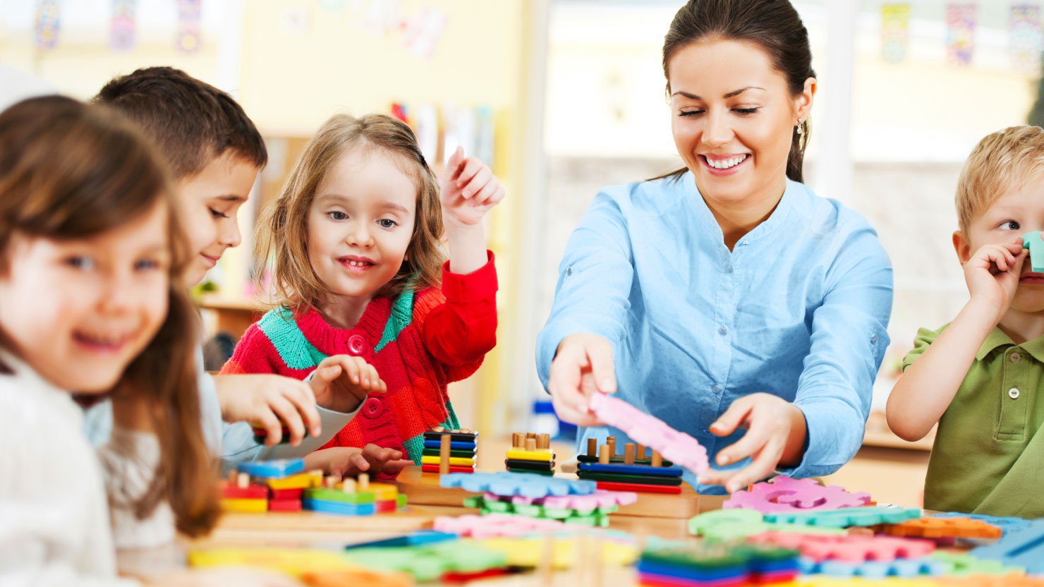 Auxiliar de Educação de Infância