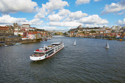 Viking_Douro_Ship_Porto.jpg