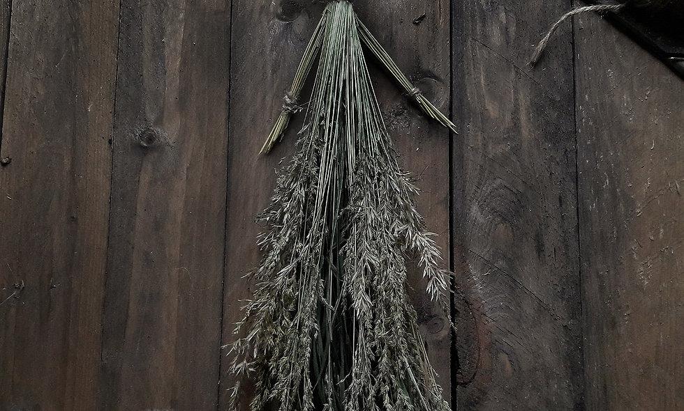 Bambola rurale per decorazione in Gramigna Dorata e Orzo Selvatico.