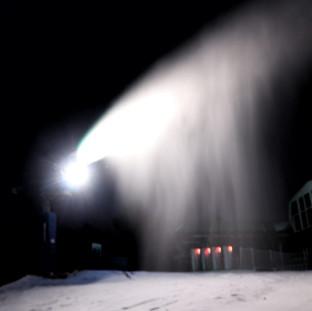 Nieve artificial en Manzaneda.