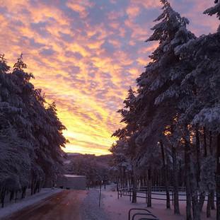 Amanecer nevado en Manzaneda