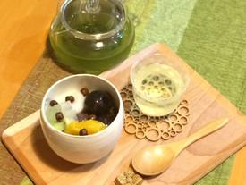 白玉フルーツあんみつと煎茶