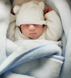 Tips on a newborn babies sleep schedule