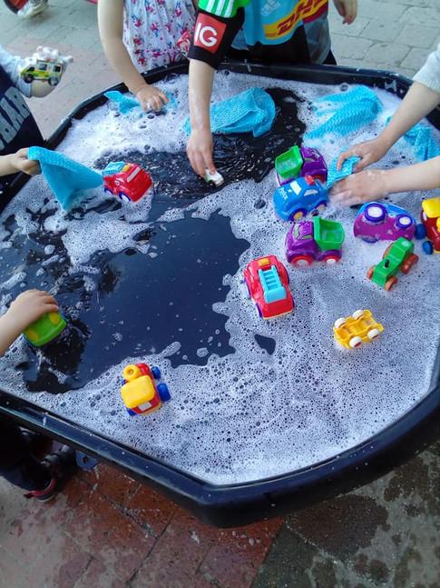 Car wash during transport topic week