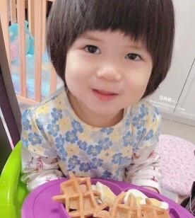 (娜娜育兒) 超簡單幼兒食譜,一歲以上食得嘅無添加格仔餅!
