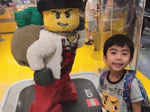 可以自己DIY LEGO 公仔的 LEGO 店