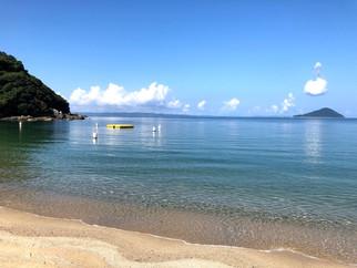 烏帽子灯台と青い海