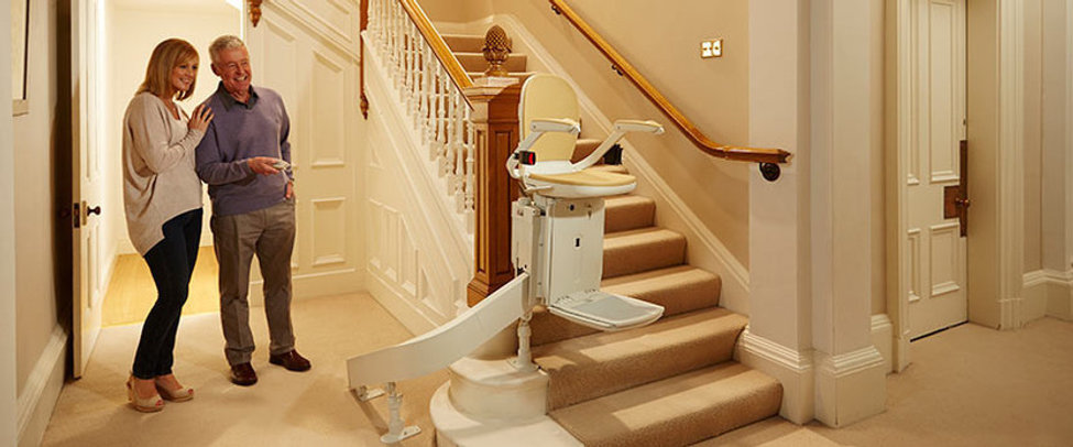 Acorn-curved-stair-lift-sheffield-mobili