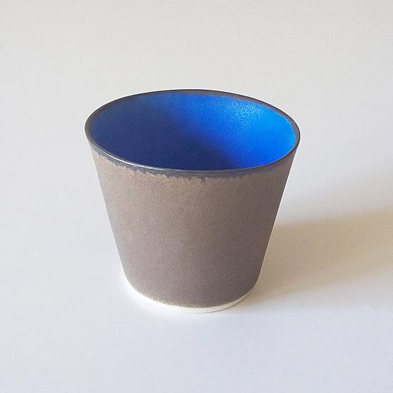 29 青黒カップ