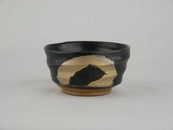 <完売>黒釉金彩ぐい呑み Black & gold small cup