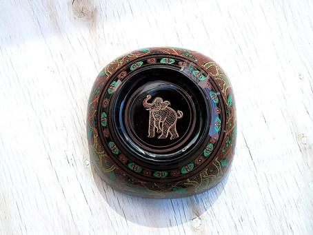 ミャンマーの器