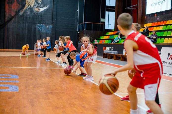 Мастер-класс по баскетболу с ЖБК NOVA ARENA