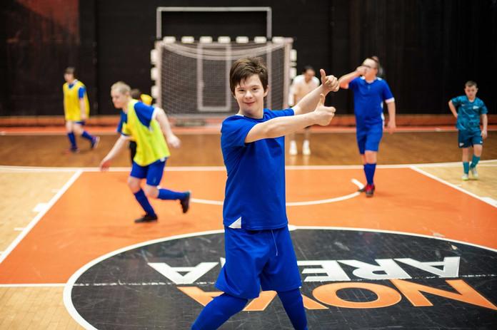 Мастер-класс по футболу с детьми с синдромом Дауна