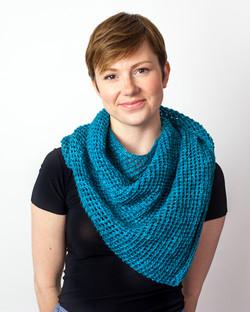 Versatile, large shawl